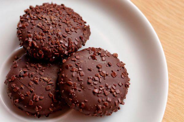 Todos los beneficios de comer chocolate. Beneficios del chocolate en la salud y belleza. Por qué es bueno comer chocolate?