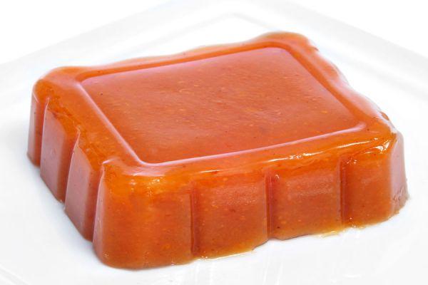Ingredientes para hacer dulce de membrillo casero. Preparación de jalea de membrillo casera. Recetas de dulce y jalea de membrillo