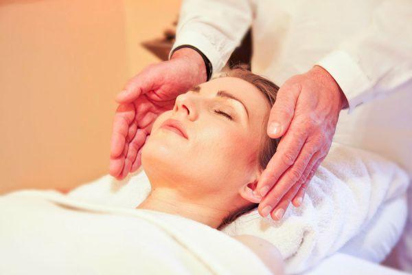Detalles para realizar un masaje tailandes. Beneficios y técnicas para hacer un masaje tailandés