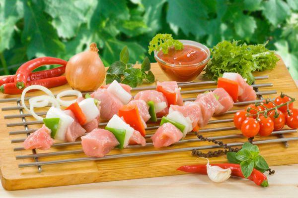 10 recetas simples para hacer kebabs caseros. Cómo preparar kebabs con carne, verduras y otras opciones