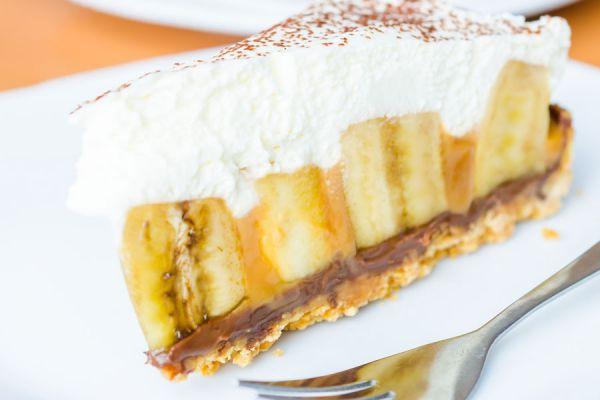 Receta de pastel de banana y caramelo. Cómo preparar un postre de banana y caramelo pavlova. Receta de pastel de banana y caramelo pavlova