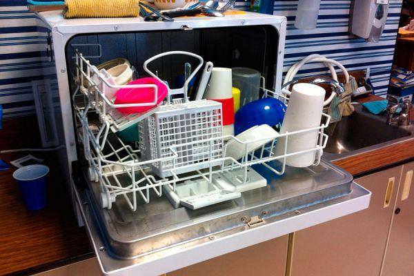 Qué se puede lavar en un lavavajillas? Elementos extraños para lavar en el lavavajillas. Objetos comunes que pueden ponerse en el lavavajillas