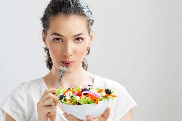 Alimentación para combatir la ansiedad. Cómo alimentarse para prevenir episodios de ansiedad. Dieta y alimentos contra la ansiedad