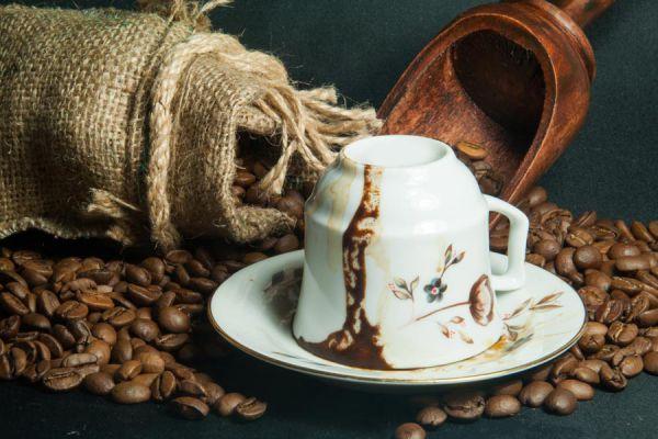 Pasos para hacer cafe turco. Historia y tradición del cafe turco. Prepara cafe turco en casa.