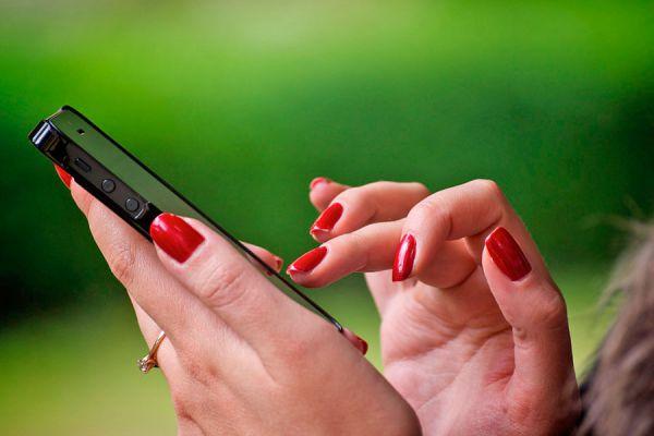 Tips para contratar un servicio de telefonía. Qué tener en cuenta antes de elegir un servicio de telefonía. Cómo contratar servicios de teléfono