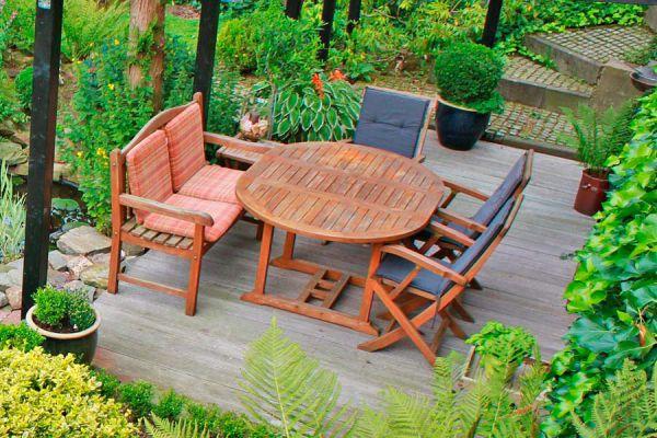 Guía para la elección de las sillas y mesas de jardín. Claves para elegir el mobiliario para el patio. Qué muebles elegir para el jardín?