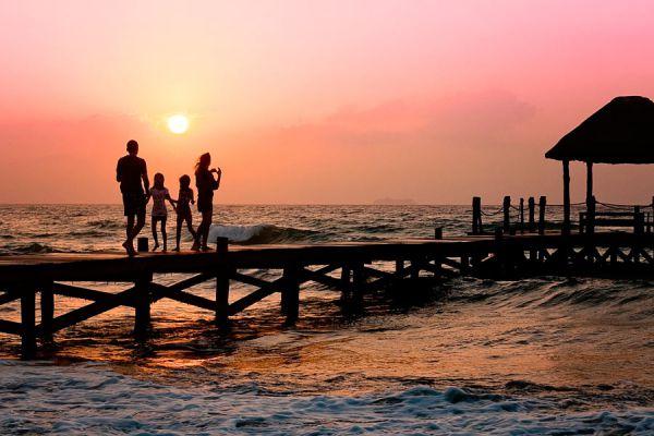 Cómo elegir el destino para ir de viaje en familia. Consejos para elegir el lugar para vacacionar en familia. Destino para las vacaciones familiares