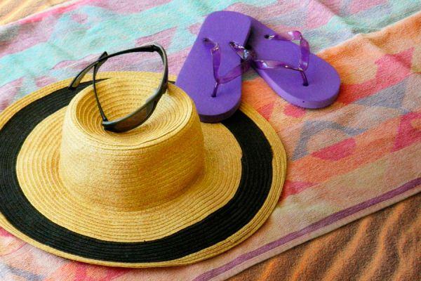 Cómo armar el equipaje para ir a la playa. Cómo armar el bolso de playa. Cómo empacar las maletas para la playa.