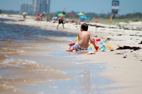 Ideas para divertirse en la playa. Qué hacer en la playa para divertirse? Cómo divertirse en la playa con actividades entretenidas.