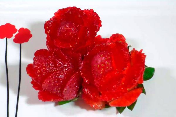 como decorar platos con frutillas en forma de flor cmo hacer frutillas con forma de