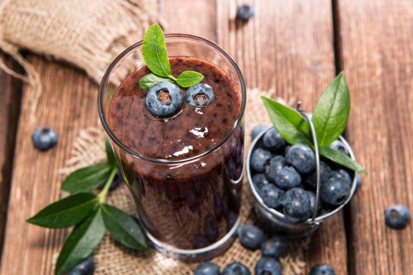 Beneficios de deber jugo de arándanos. Propiedades de los arándanos y su consumo en jugos.