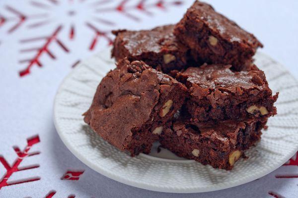 Ingredientes y preparación para hacer un brownie sin gluten. Receta para hacer brownies aptos para celíacos. Pasos para preparar brownie sin tacc