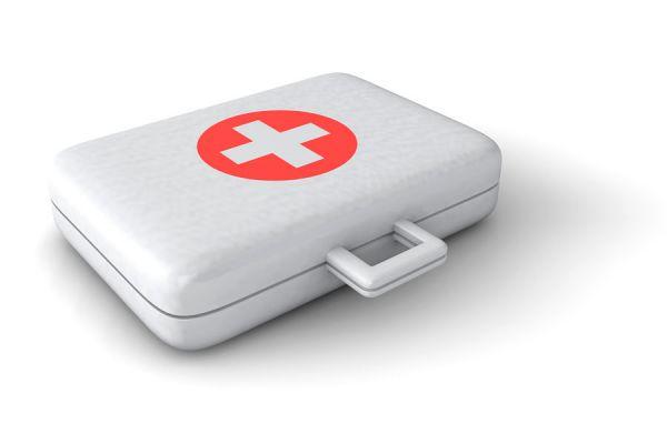 Consejos para armar un botiquín de viaje. Cómo preparar un botiquín de primeros auxilios para un viaje. Botiquín para las vacaciones