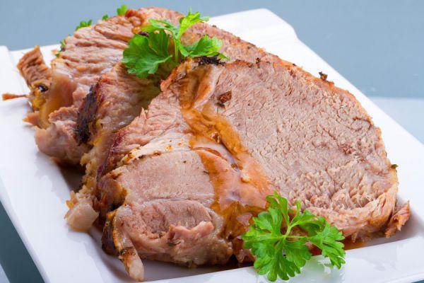Ingredientes y preparación del pernil de cerdo adobado. Guía para cocinar pernil de cerdo casero. Receta casera para cocinar pernil de cerdo adobado