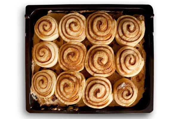 Dos recetas para preparar pan dulce sin frutas. Ingredientes y preparación del pan dulce sin fruta abrillantada ni pasas. Pan dulce casero sin pasas