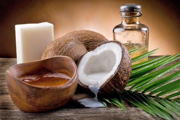 Propiedades y características de los distintos productos de coco. Agua de coco, aceite de coco y otros productos. Todo sobre los productos de coco