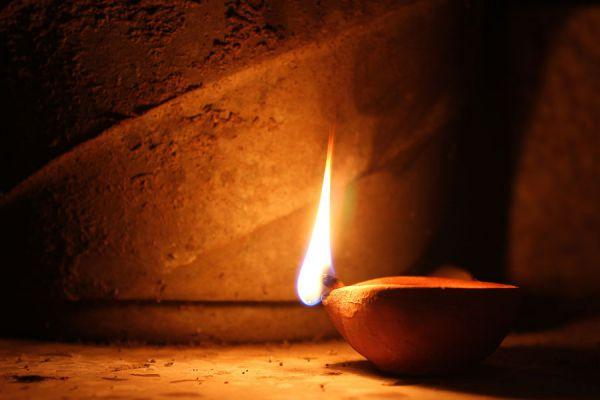 Cómo fabricar una lámpara de aceite en casa. Guía para crear una lámpara de aceite casera. Haz tu propia lámpara de aceite