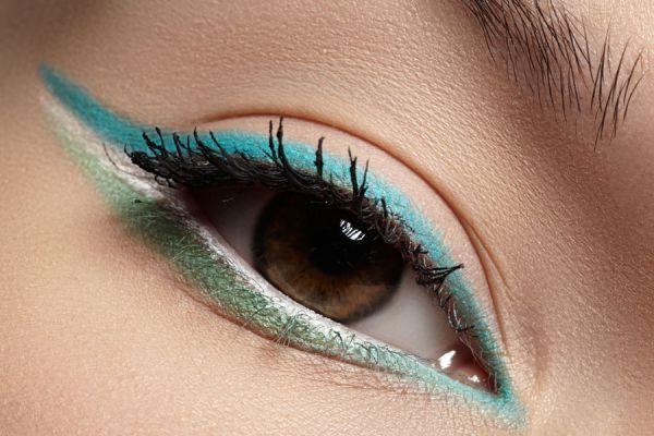 Guía para aplicar el delineador de ojos. Aprende a usar el delineador de ojos. Elige el mejor delineador para tus ojos