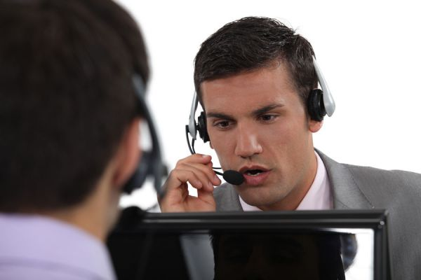 Consejos para trabajar en un centro de llamadas o atención al cliente. Requisitos para trabajar en un call center. Características de un call center