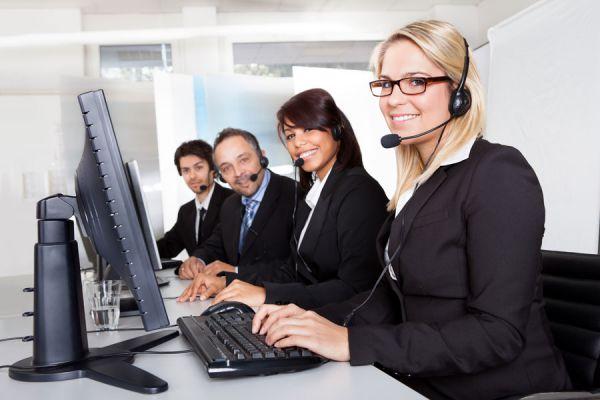 Hablar con los clientes por telefono. Tips para atender bien a los clientes por teléfono. Hablar por teléfono con los clientes