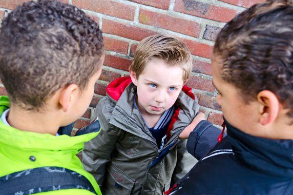Tips para saber si tu hijo es víctima de bullying. Guía para saber si un niño sufre de acoso escolar. Señales para detectar bullying