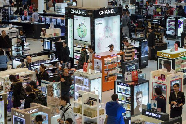 Tips para hacer compras en el free shop. Cómo comprar productos en el free shop. Claves para hacer compras en el duty free