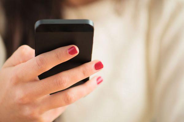 Tips para usar internet en el exterior. Cómo conectarse por wifi o roaming en el extranjero. Uso de internet en otro pais