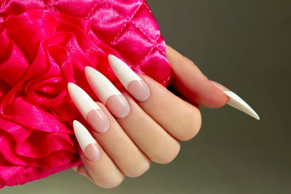 El significado de soñar con manos y uñas que se rompen. Interpretación de los sueños: uñas que se rompen. Significado de soñar con manos grandes