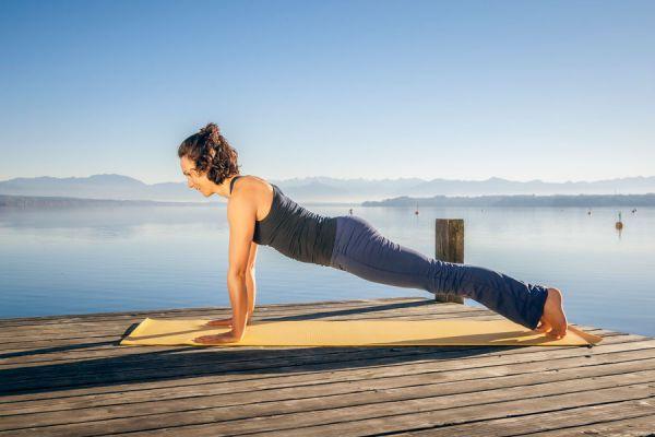 Pilates para bajar de peso. cómo hacer ejercicios de pilates para adelgazar. Movimientos de pilates para bajar de peso.
