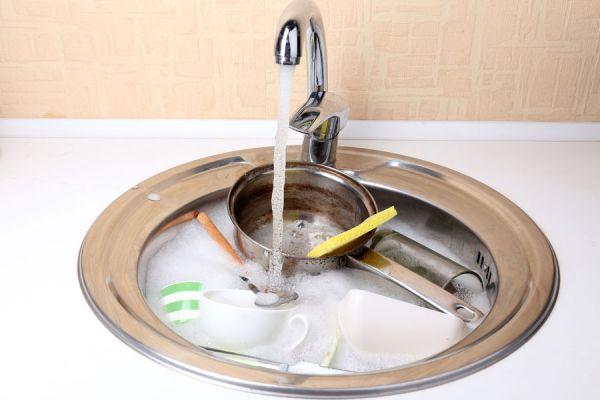 Pasos para la limpieza de placas y moldes de horno. Limpieza profunda de fuentes de horno. Cómo quitar la suciedad adherida en placas de horno