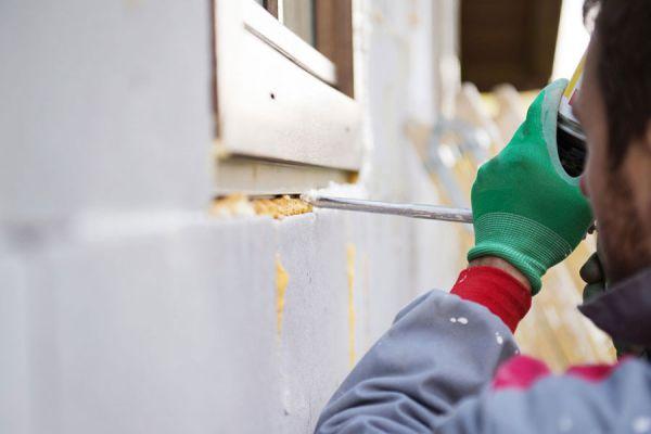 Tipos de pegamentos y colas. Qué adhesivo se debe usar para pegar cada material. Pegamentos y adhesivos para madera, vidrio, porcelana