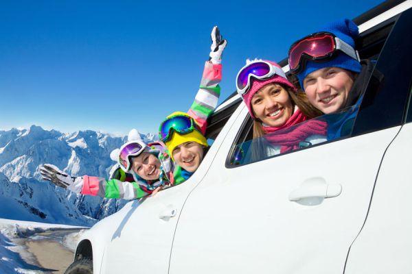 Cómo hacer carpooling. Sitios web para compartir el coche al viajar. Cómo compartir el coche al ir de viaje. Webs de carpooling