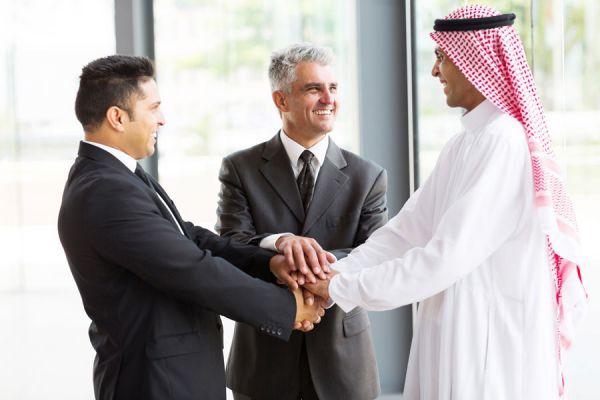 Reglas para hacer negocios con otras culturas. Consejos útiles para hacer negocios multiculturales. Cómo actuar la hacer negocios con otros países