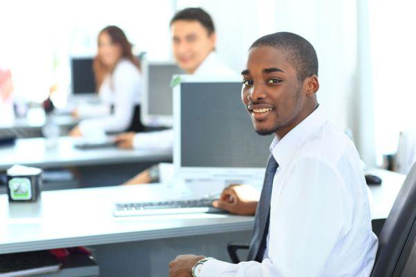 Métodos para destacar en el trabajo. Cómo destacar en el campo laboral. Tips para destacar en tu trabajo