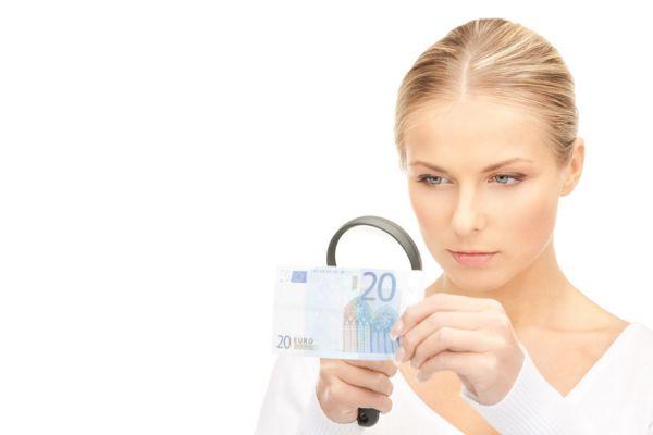 3 pasos para identificar euros falsos. Cómo reconocer un billete falso. Señales para identificar los euros falsos