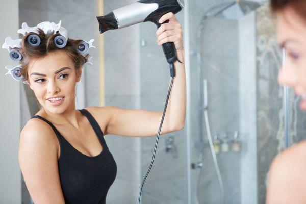 Tips para cambiar el look del pelo sin cortes ni tinturas. Métodos para cambiar el peinado y color del pelo temporalmente.