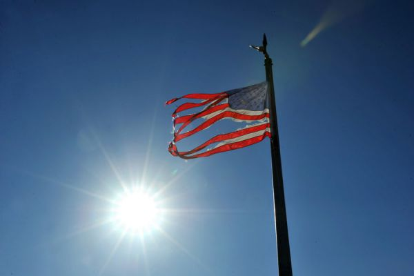Cómo tener una bandera en tu casa. Claves para lucir una bandera en el hogar. Reglas para el uso de banderas en el hogar