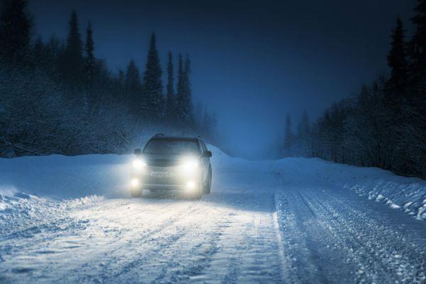 Guía para pulir las luces del coche. Consejos para pulir y limpiar los faros del vehículo. Métodos simples para pulir los faros