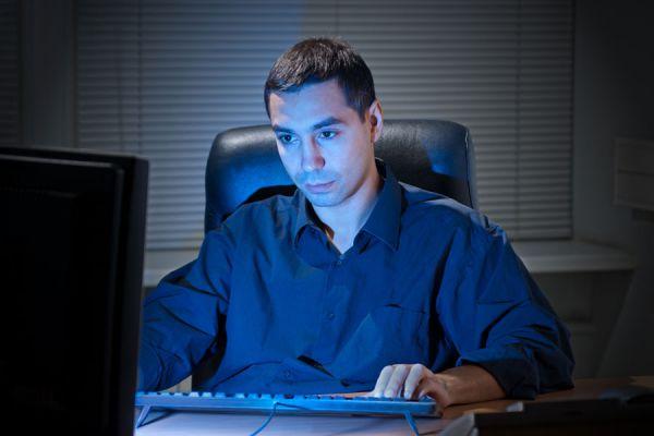 Qué hacer si eres adicto al trabajo. Cómo superar la adicción al trabajo. Técnicas para reconocer si eres adicto al trabajo