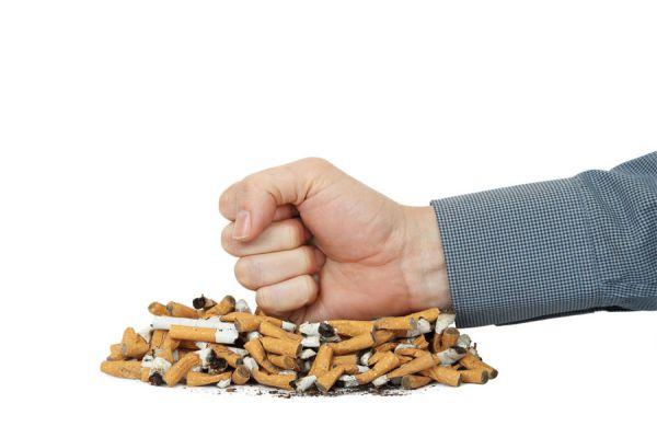 Lo que ocurre en tu cuerpo al dejar de fumar. Beneficios de abandonar el cigarro. Ventajas de dejar el hábito de fumar