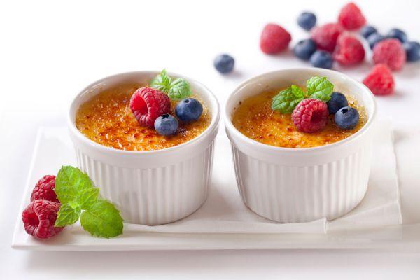Cómo preparar crème brûlée. Recetas para hacer crème brûlée casera. 3 opciones para preparar crème brûlée en casa