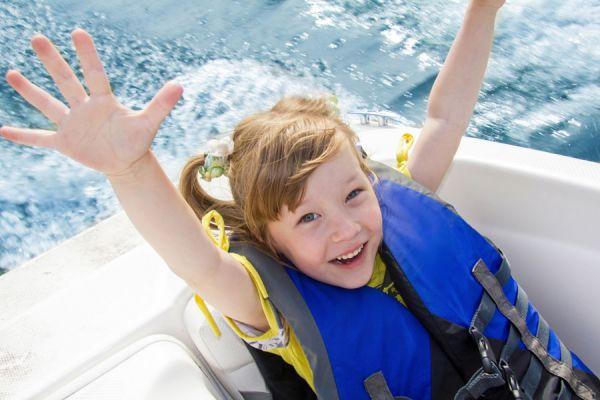 Consejos útiles para hacer un viaje en barco. Claves para organizar un viaje en barco. Cómo viajar en barco o crucero: requisitos y organización