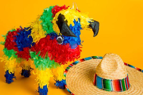 Guía para fabricar una piñata de papel casera. Cómo hacer una piñata de papel con tus personajes favoritos. Piñatas de papel para una fiesta infantil