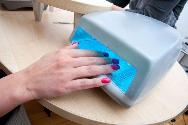 Cómo mantener tus uñas de gel. Métodos simples para el cuidado de las uñas artificiales. Aprende a cuidar las uñas artificiales de gel