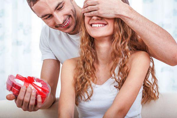 Ideas para hacer regalos a mujeres de acuerdo a su signo. Qué regalar a una mujer según su signo. Regalos para mujeres de acuerdo a su personalidad