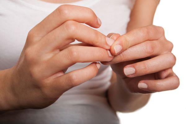 Problema en el uso prolongado de las uñas de gel. Los peligros que se esconden al usar uñas de gel. Cuidados al usar las uñas de gel