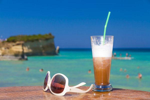 Cómo hacer bebidas con café frio. Recetas con café frio. Recetas de bebidas cremosas con café frío.
