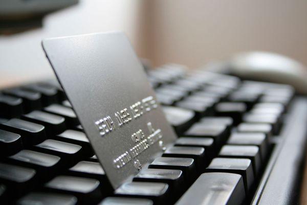 Tips para vender por internet con una tienda online. Guía para tener una tienda online exitosa para tu negocio. Consejos para abrir una tienda online