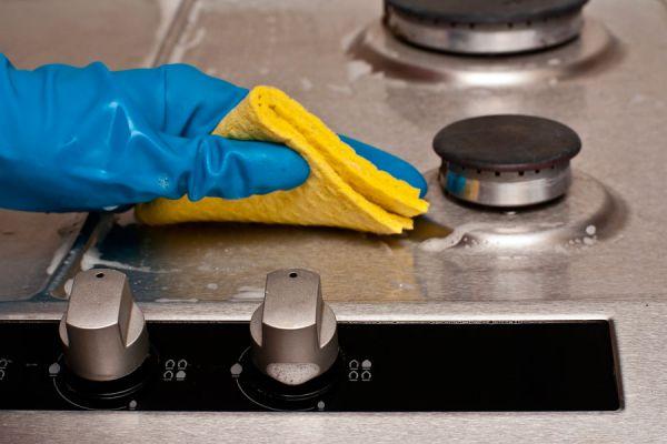 Pasos para limpiar metales de todo tipo. Cómo sacarle brillo a metales como plata, cobre, bronce. Tips para dar brillo a objetos de metal