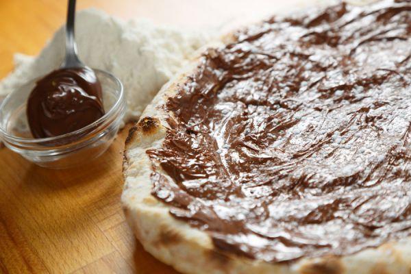 Postre de pizza. Cómo preparar pizza dulce para la merienda o desayuno. Postre de pizza a base de manzana y chocolate